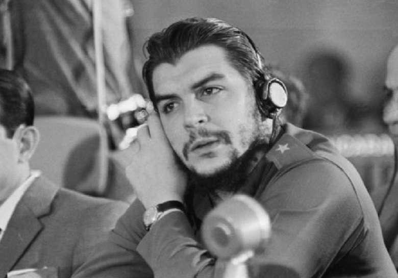 53 anni fa veniva assassinato Che Guevara moriva il ribelle, nasceva il mito (3)