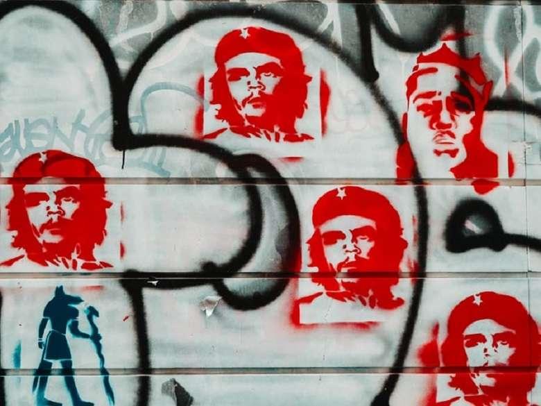 53 anni fa veniva assassinato Che Guevara moriva il ribelle, nasceva il mito (4)