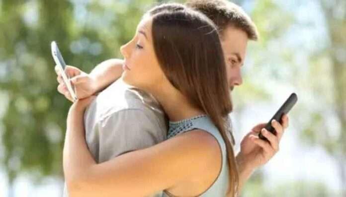 Amore e social network: la riduzione del sentimento