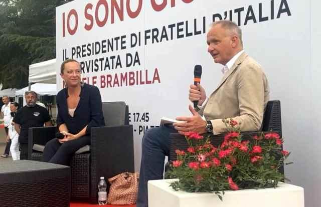 Bar suona 'Bella ciao' durante presentazione di Giorgia Meloni, polizia identifica i lavoratori