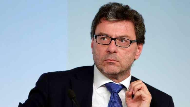 """""""C'è situazione astrale favorevole"""" lo ha detto il ministro Giorgetti, non una cartomante..."""