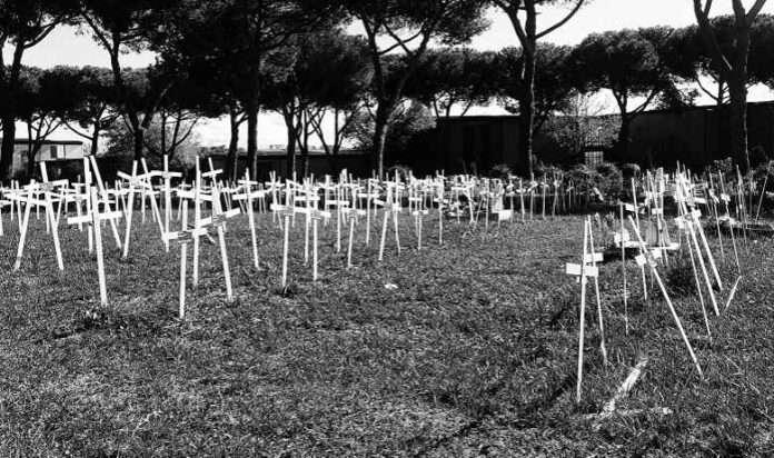 Cimiteri al collasso: a Roma si muore due volte