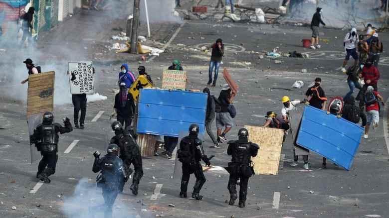Colombia in fiamme: ancora proteste contro il presidenteDuque