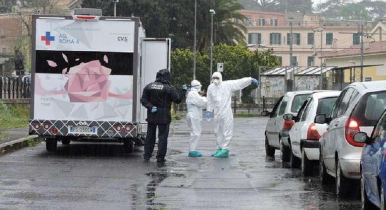 Coronavirus, l'osannato modello italiano ha retto una settimana 3