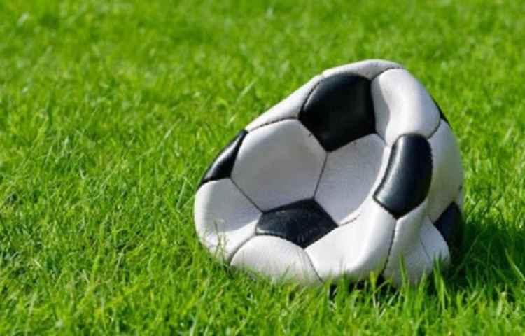 Covid, Messi e Rovella la bolla del calcio sta per esplodere