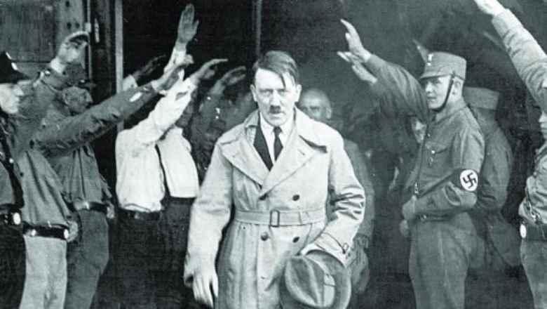 Dittature, tutto quanto fa spettacolo: qualcuno prese sul serio il Mein Kampf