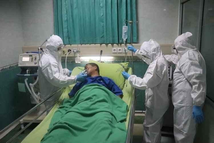 I medici a marzo erano eroi in corsia poi sono finiti nel limbo burocratico