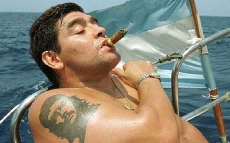 I sessant'anni di Maradona, venti per la questura