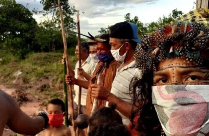 In Brasile Bolsonaro ha escluso dalle vaccinazioni gli indigeni