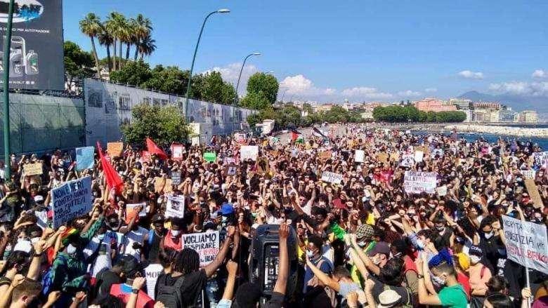 La Napoli per George Floyd in sordina per le risse tra neofascisti a Roma