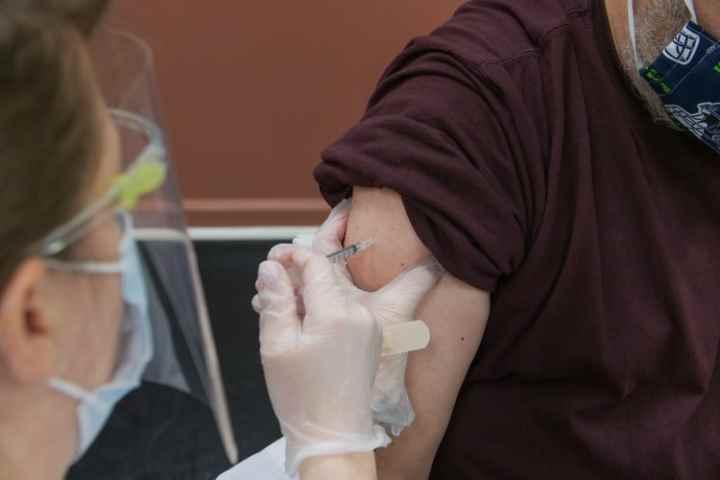Come prenotare il vaccino contro il Covid?