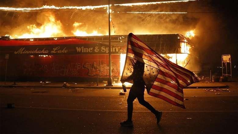 La cultura del linciaggio negli Usa di Trump è giusto reagire con violenza