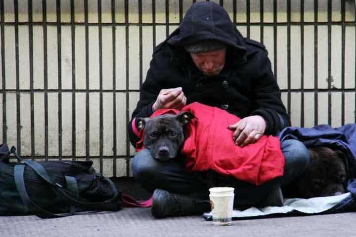 La miseria di chi odia i poveri