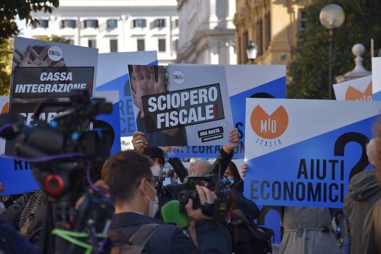 L'eccellenza italiana della 'movida' in piazza il governo ci ascolti