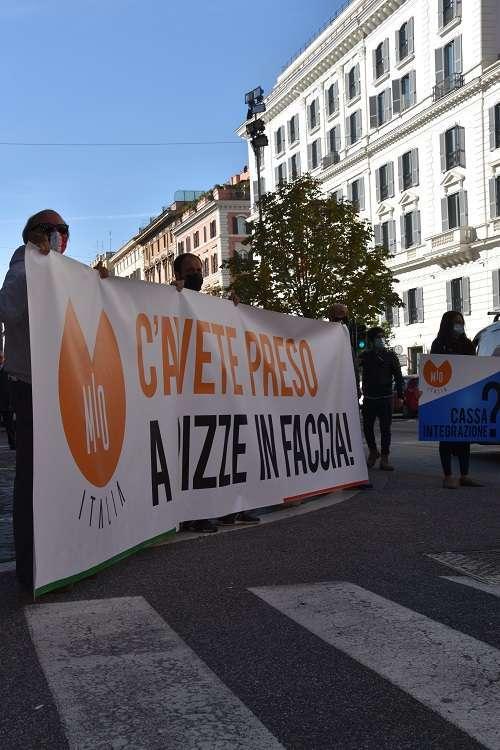 L'eccellenza italiana della 'movida' in piazza il governo ci ascolti3
