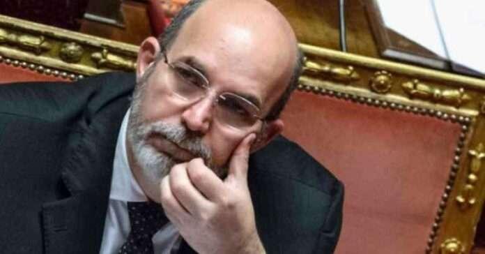 M5S-Rousseau: le spiegazioni di Crimi all'Assemblea