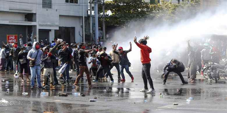 Myanmar, nel sangue le proteste