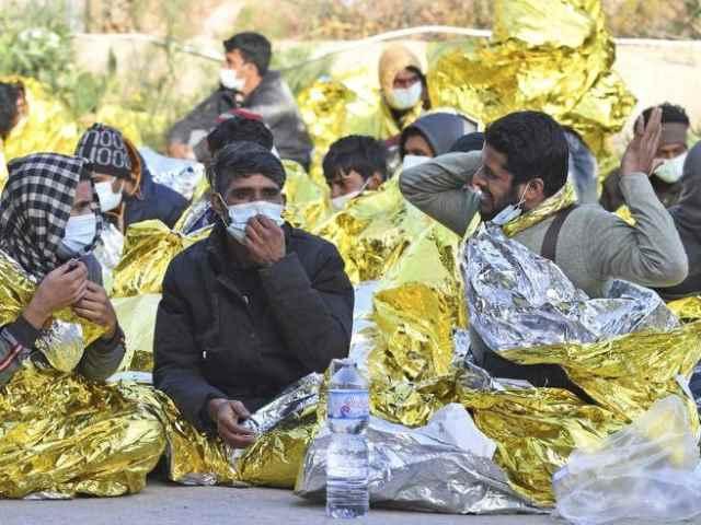 New York Times accusa: l'Italia non vaccina i migranti