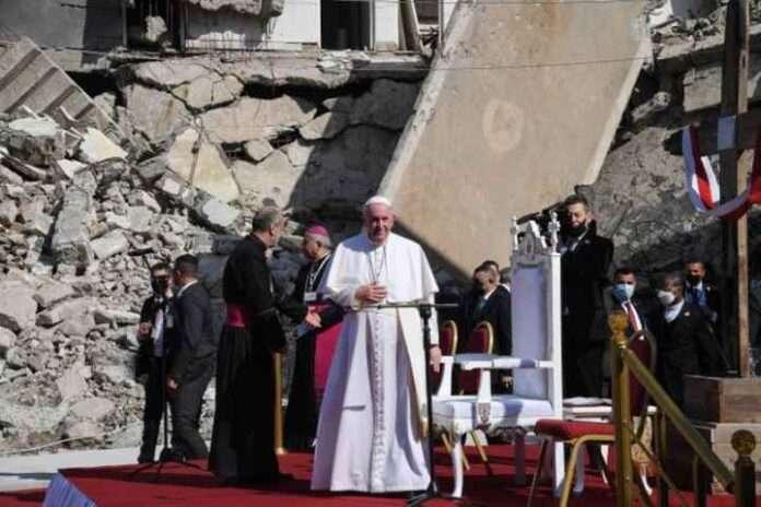 Papa Francesco a Mosul: la morte non ha mai l'ultima parola