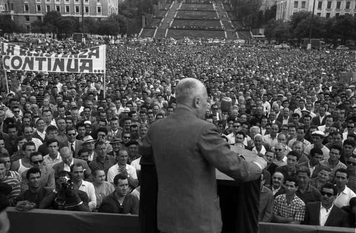 Pertini: 'Difenderemo la Resistenza a ogni costo'. Il discorso a Genova contro i fascisti