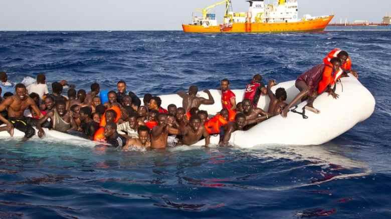 Riprendono gli sbarchi e i tormentoni di Salvini ma l'immigrazione non si può fermare