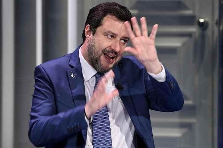 Salvini spara bufala enorme contro la legge sull'omofobia
