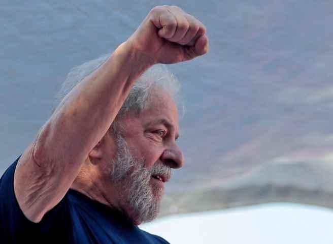 Lula è pronto a salvare il Brasile da Bolsonaro