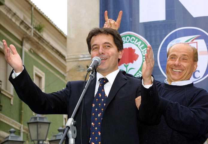 Spirlì presidente, Berlusconi statista e Pippo astronauta2