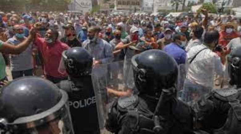 Tunisia, è un colpo di Stato quello di Kaïs Saïed ?