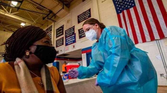 Usa, riesplodono i contagi, i repubblicani cambieranno strategia sui vaccini?
