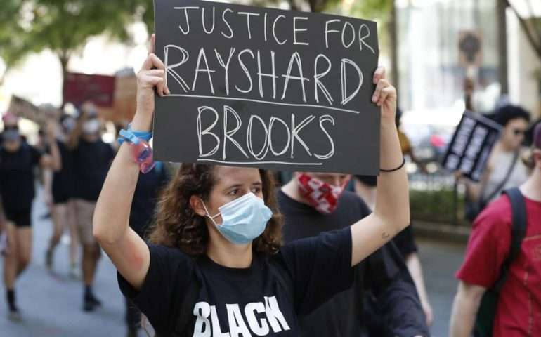 Usa, video shock rayshard brooks
