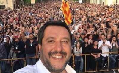 """Salvini: """"Palle piene di clandestini, spacciatori e delinquenti"""". Se questo è un politico..."""