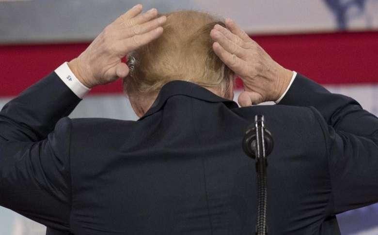 Usa: cambiano norme sulla doccia dopo le lamentele di Trump per i suoi capelli